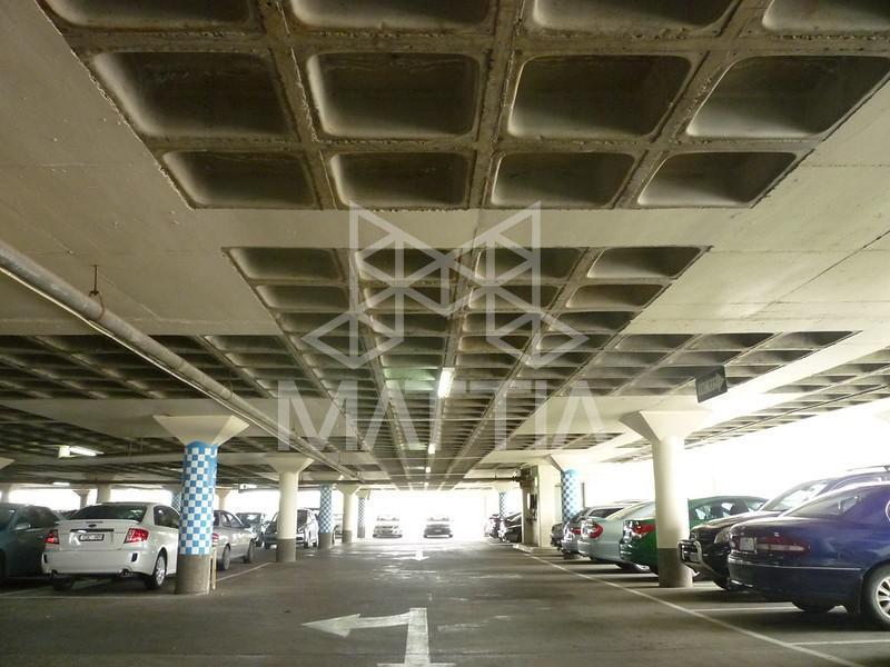 امکان افزایش تعداد پارکینگها با کاهش تعداد ستونها نمونهای از اجرای پارکینگ با استفاده از سیستم سقف وافل