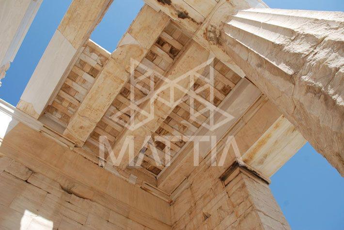 سقف بنای آکروپولیس در یونان
