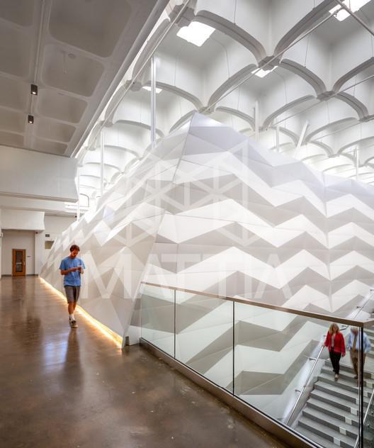 مجمتع آموزشی Galbraith Hall، دانشگاه UCSD، کایفرنیا، ایالات متحدهی آمریکا