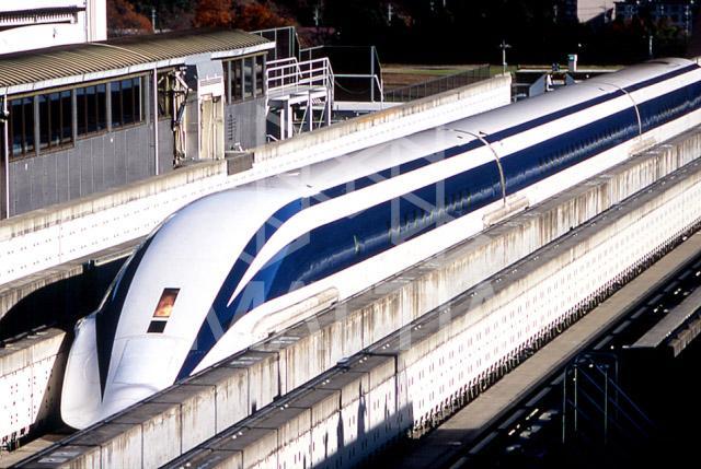 مقاوم سازی با FRP - سیستم راه آهن شناور مغناطیسی در ژاپن
