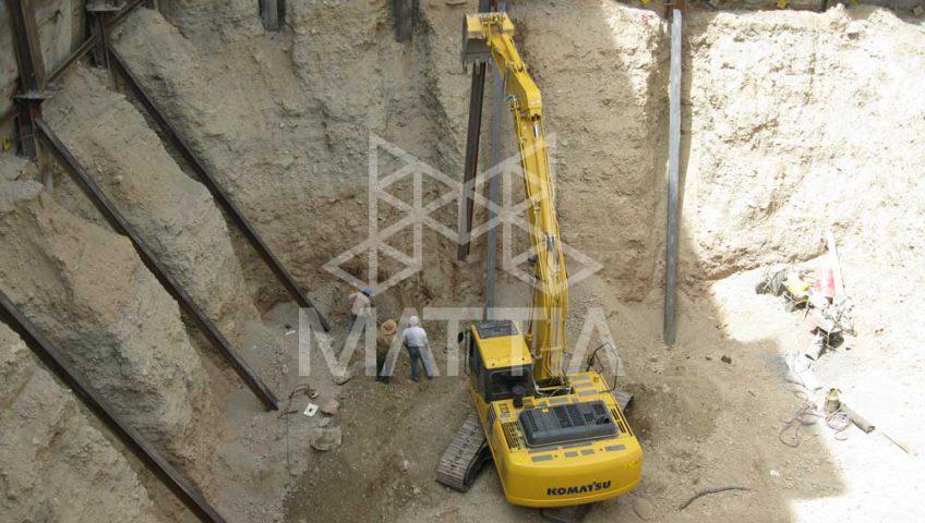 پایدارسازی گود و دیواره خاکی با کمک خرپا و سازه فولادی مراحل اجرایی گودبرداری به روش سازه نگهبان خرپایی